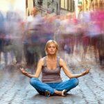 Как да успокоим ума дори и в най-шумната среда