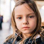 """10 начина, по които """"заслепявате"""" децата си и последствията от това"""