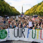 Световната климатична стачка в цифри и снимки