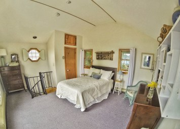 Back House Suite Room