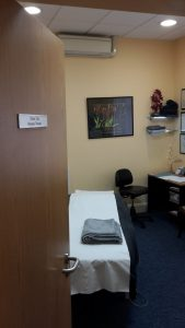 Image shows Lushington Massage Therapist Oly Ody's room set up