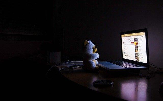 Computer Dark Night