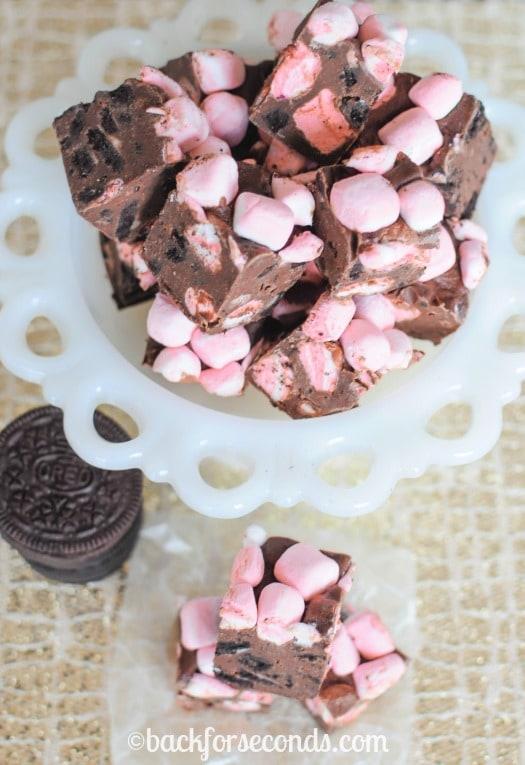 Easy MArshmallow Mint Oreo Fudge Recipe