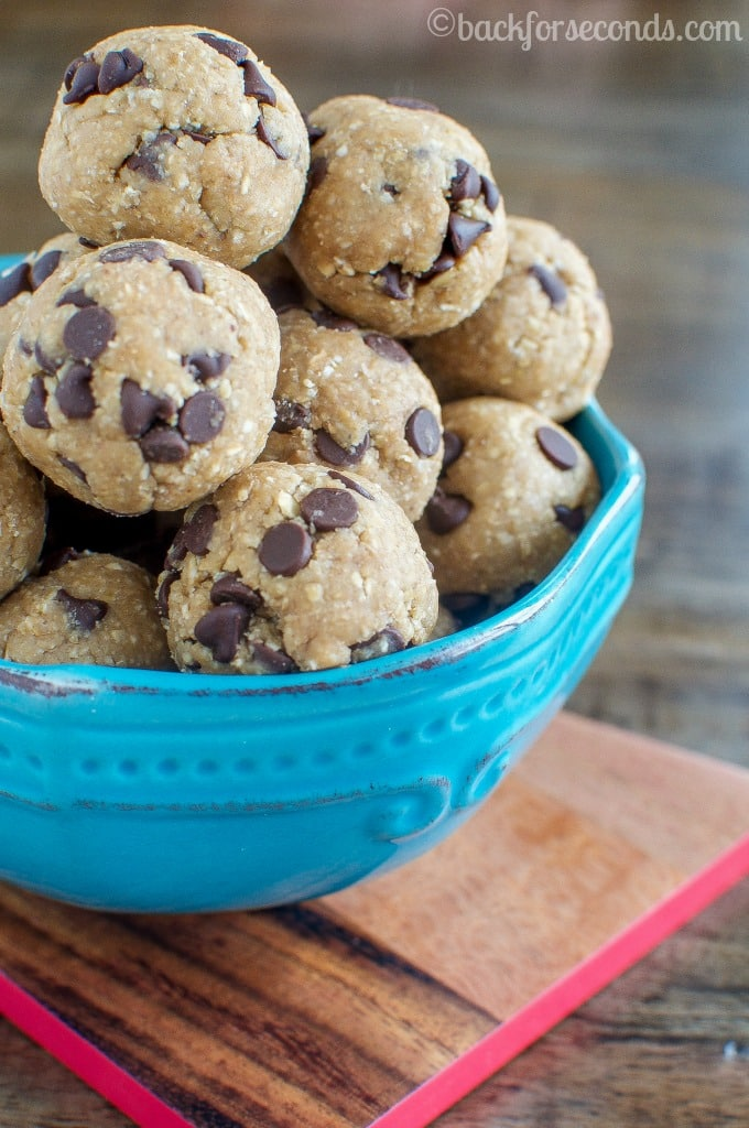 Banana Chocolate Chip Energy Bites - My kids BEG for these!