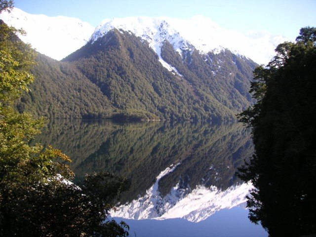 Milford Sound New Zealand - Perfect mirrored waters