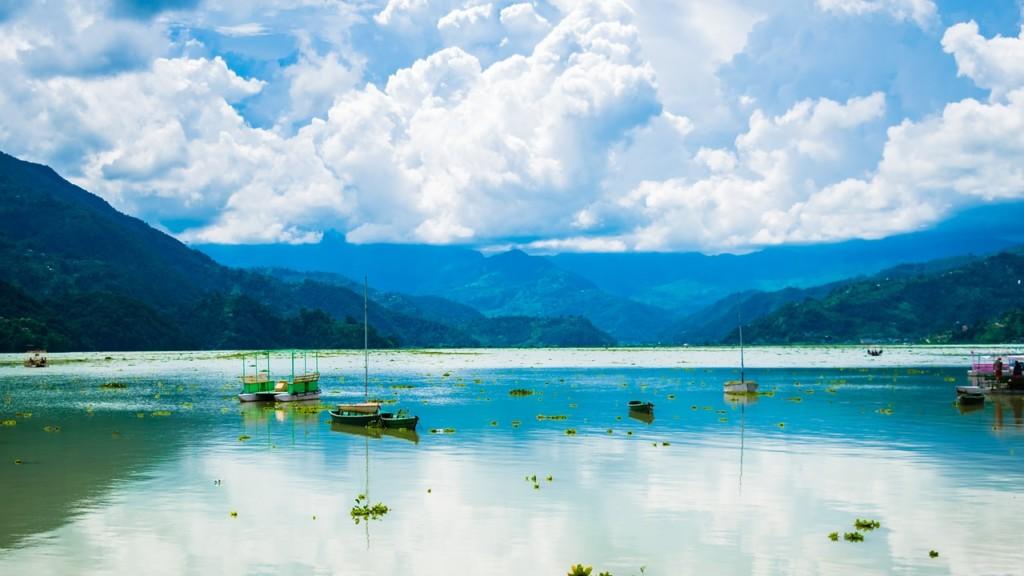 ポカラにあるフェワ湖