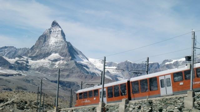 マッターホルンとスイス登山鉄道