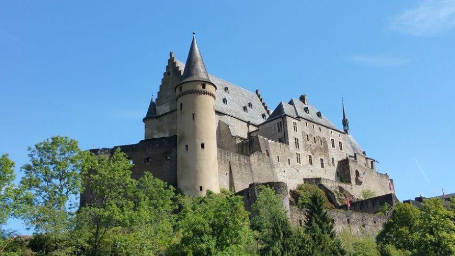ヴィアンデン城はハリーポッターに出てくるような形が特徴的。