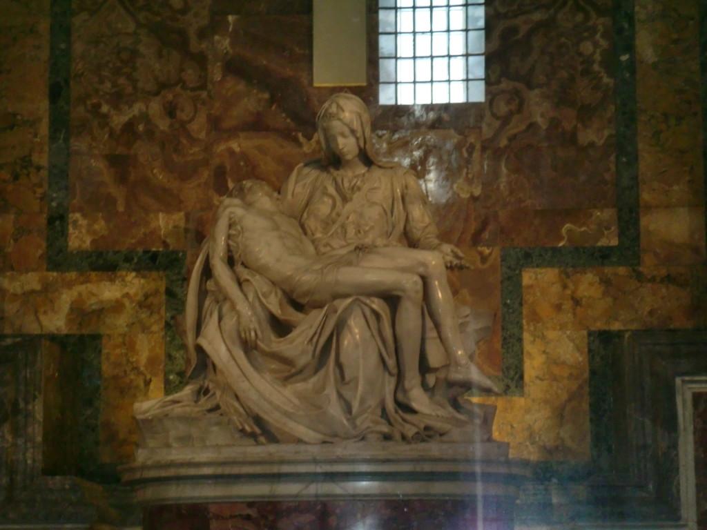 ミケランジェロ が25歳の時に作った大理石像『ピエタ』
