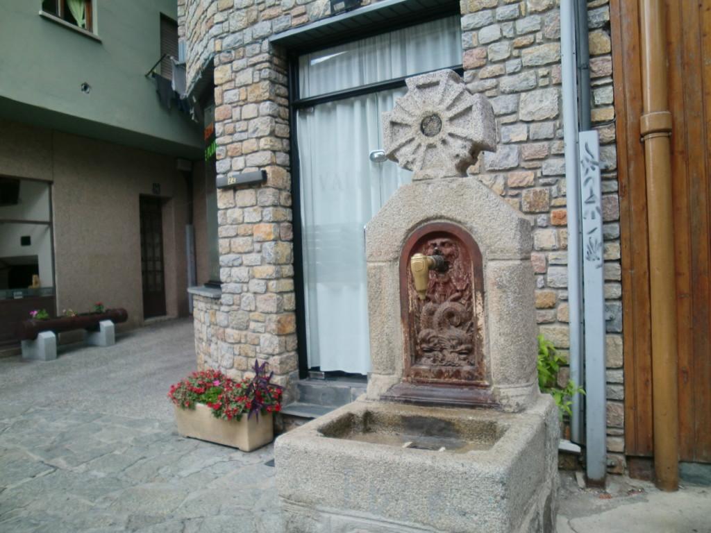 サン・エステヴェ教会はアンドララベリャの代表的な観光名所