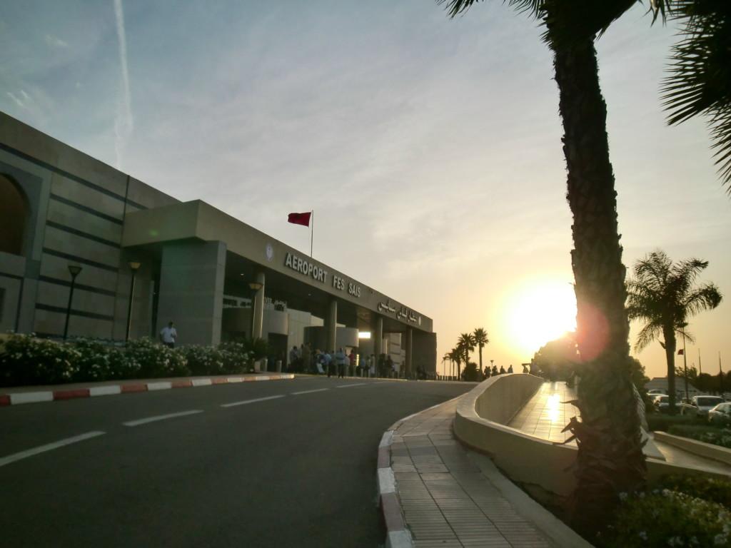 フェズのサイズ空港から、南に11kmの市街には40分程で到着。