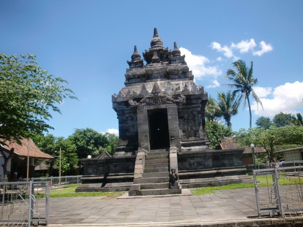 高さ12mの閑静な寺院『パオン寺院』