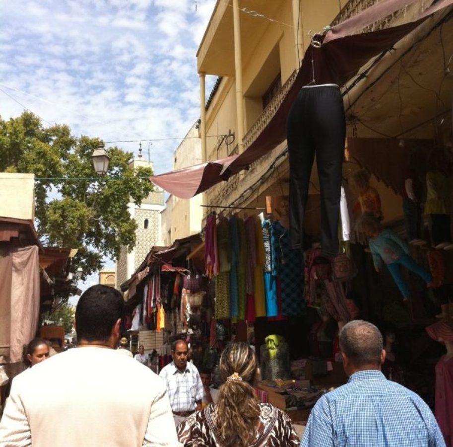 メディナを歩いていると「こんにちは、ようこそモロッコへ!」という金銭のたかりが結構ありました