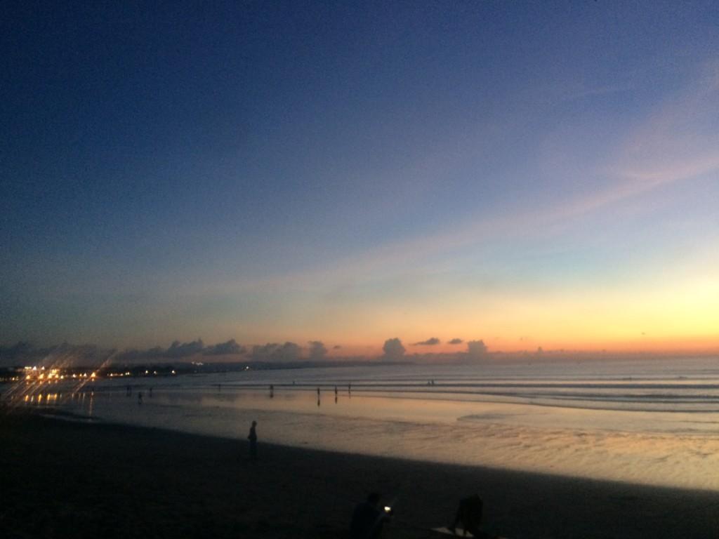 美しい夕日スポット『クタビーチ』