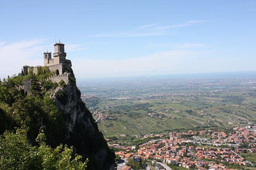 サン・マリノといえば、ティターノ山の頂きにそびえる要塞がシンボル。
