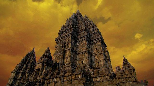 ジャワで花開いた巨大な寺院群『プランバナン』