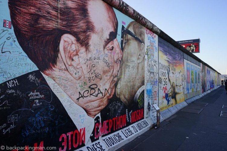 Muro de Berlin, pintado por artistas