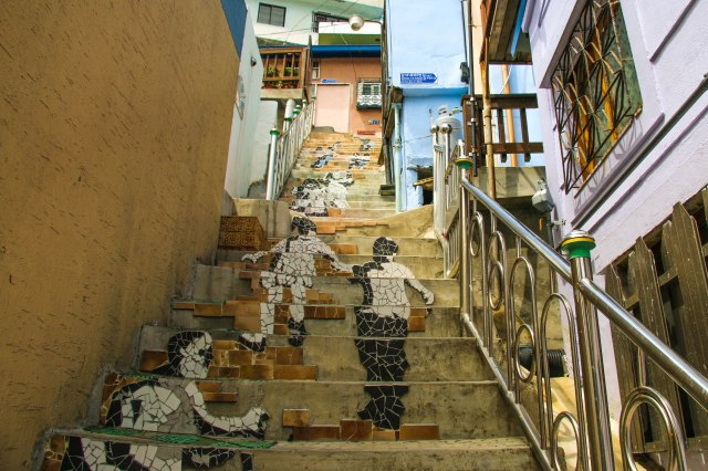 Stairs to See Stars, Busan