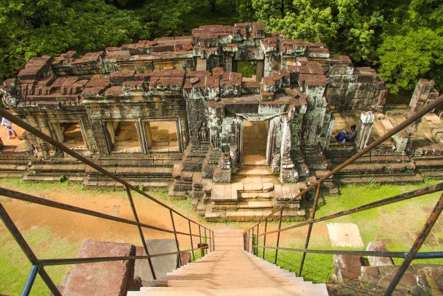 How to plan a visit to Angkor Wat: Baphuon Temple