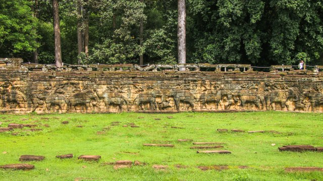 Visiting Angkor Thom: Terrace of the Elephants