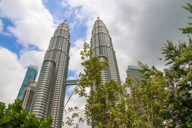 Things You Shouldn't Miss in Kuala Lumpur: PETRONAS Twin Towers