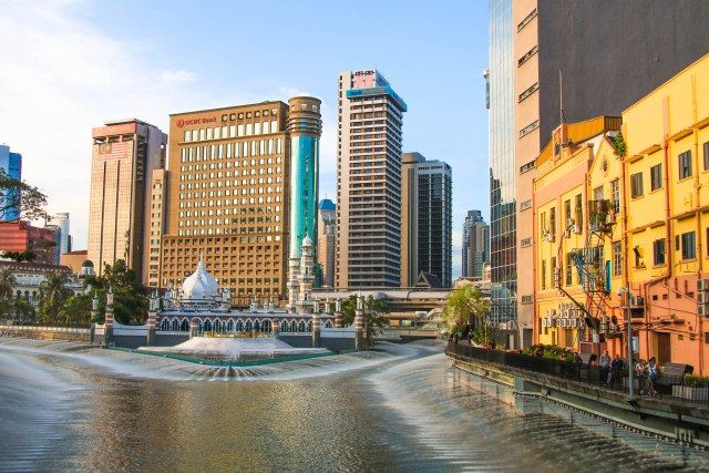 Best of Kuala Lumpur: Jamek Mosque and the River of Life