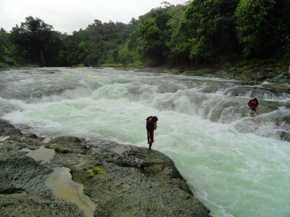THINGS TO DO IN SAMAR EXTREME BOATING AT ULOT RIVER