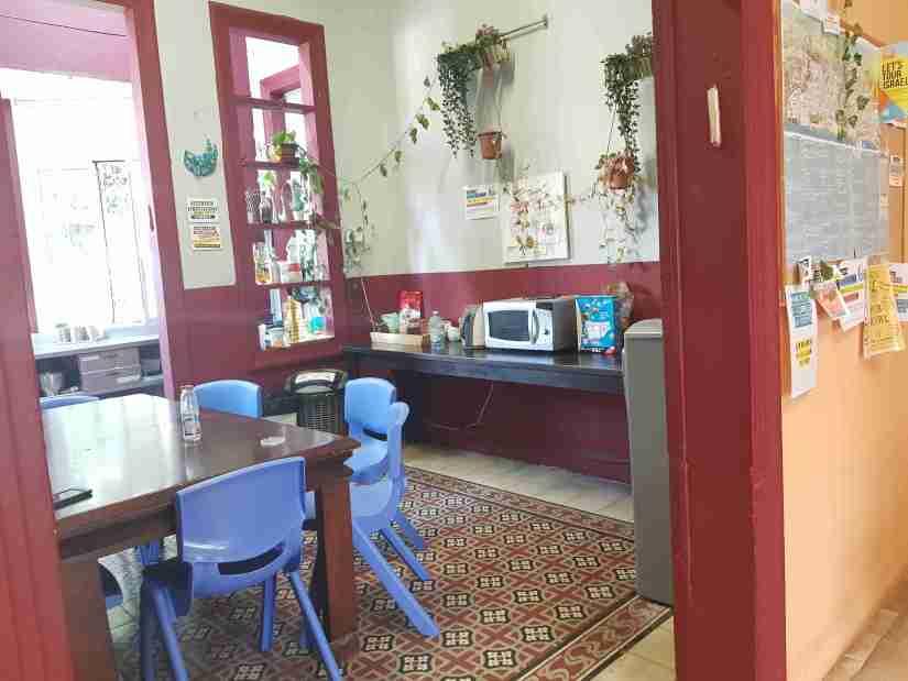 Guest kitchen Roger's House Hostel Tel Aviv