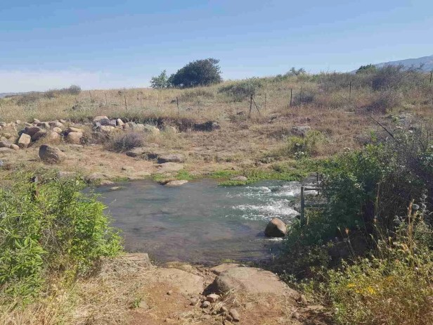 First water crossing on the Israel National Trail