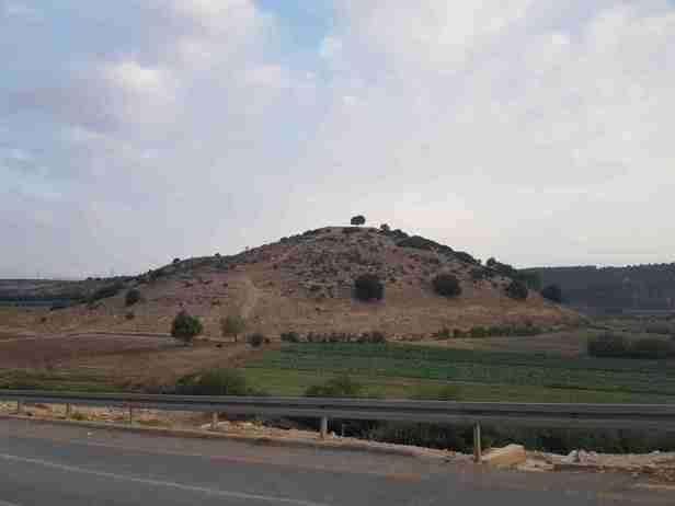 Tell Khali on the Israel National Trail