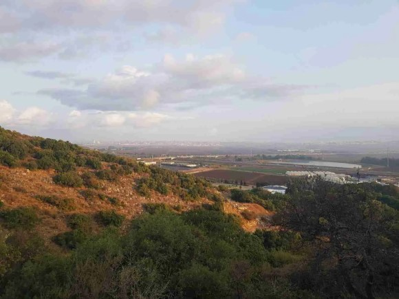 Hiking up Mount Carmel on the Israel National Trail