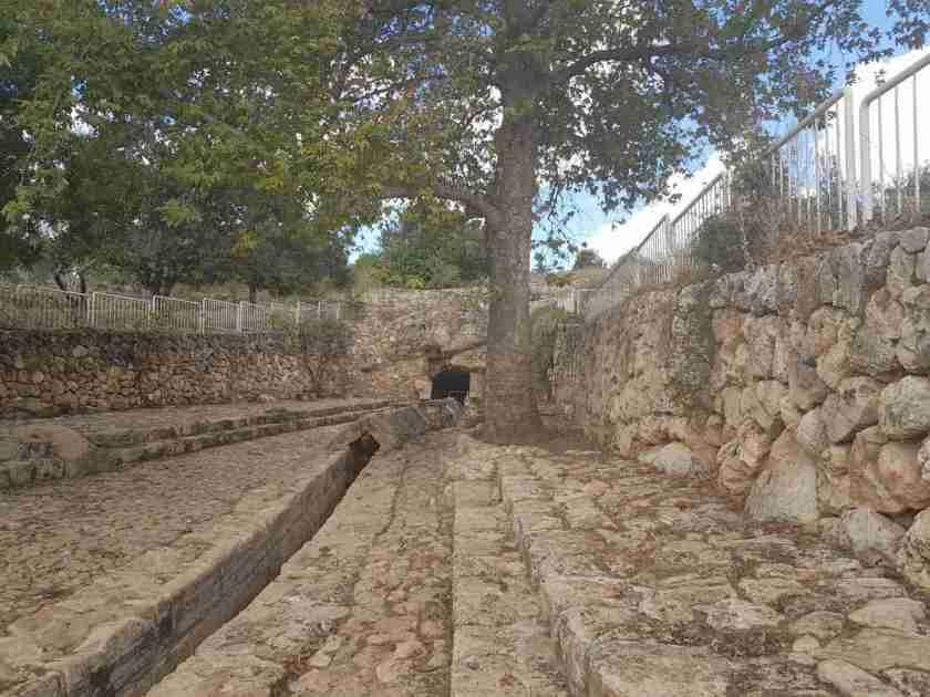 Ein Zur water aqueduct on the Israel National Trail