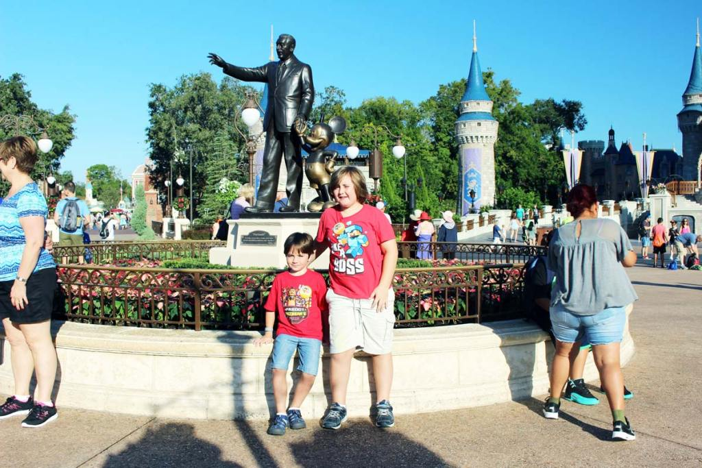 DW-Statue