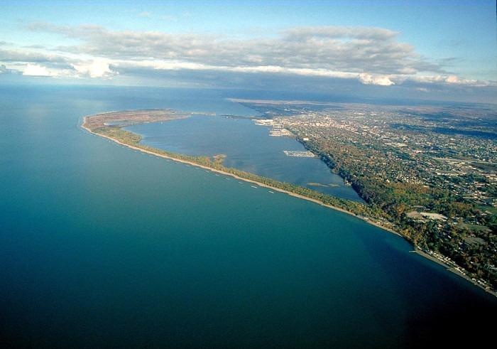 1024px-Presque_Isle_Pennsylvania_aerial_view