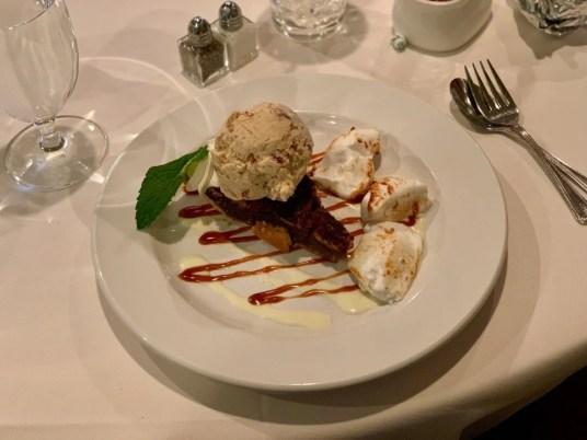 Southern Inn Pecan Pie a la Mode