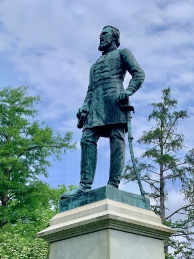 Stonewall Jackson Grave Statue - Scenic & Historic Things to Do in Lexington, Virginia