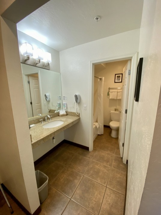 Pines Motel Bathroom - 7+ Amazing Attractions in Verde Valley AZ