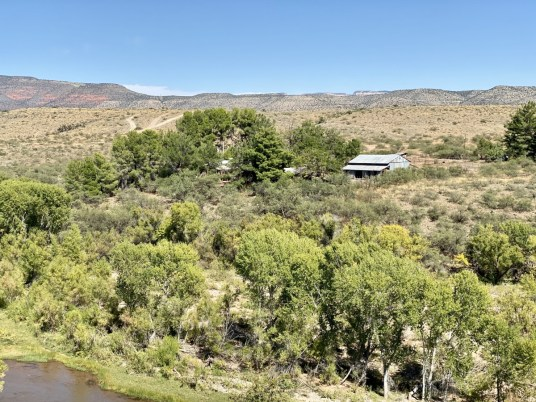 Verde River ranch - Ride Arizona's Verde Canyon Railroad