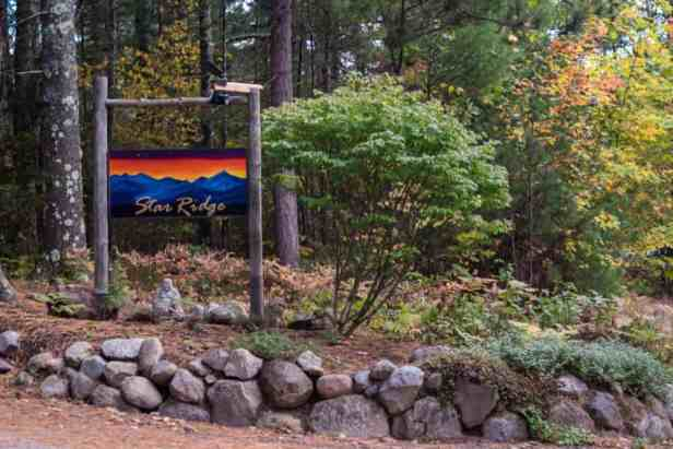 ADK Star Ridge welccome sign - Adirondack cabin rentals