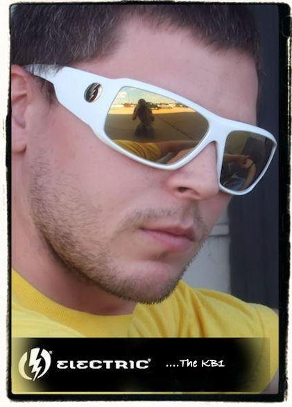 2011_08_3_eye_elect