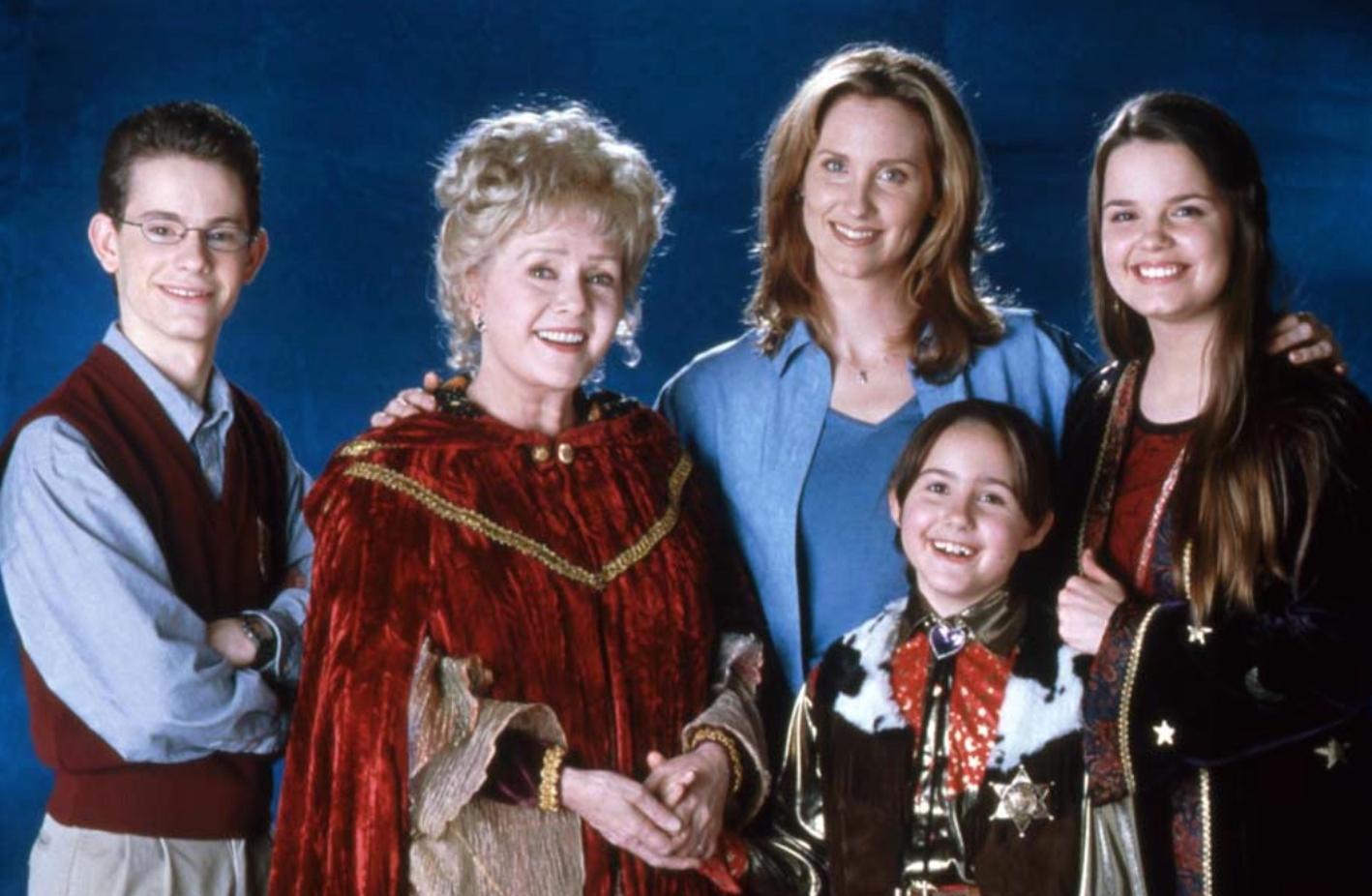 "Joey Zimmerman, Debbie Reynolds, Judith Hoag, Emily Roeske, and Kimberly J. Brown from ""Halloweentown II: Kalabar's Revenge."""