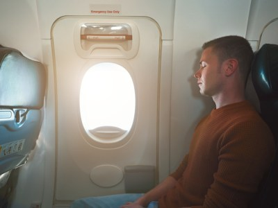 avoid back pain while travelling
