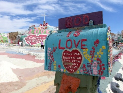 21 - salvation_mountain_niland_california
