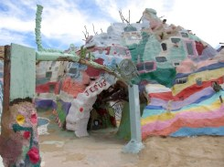 7 - salvation_mountain_niland_california