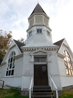 Lincoln Avenue Methodist Church - 1897, a combination of Carpenter Gothic and Queen Anne style architecture