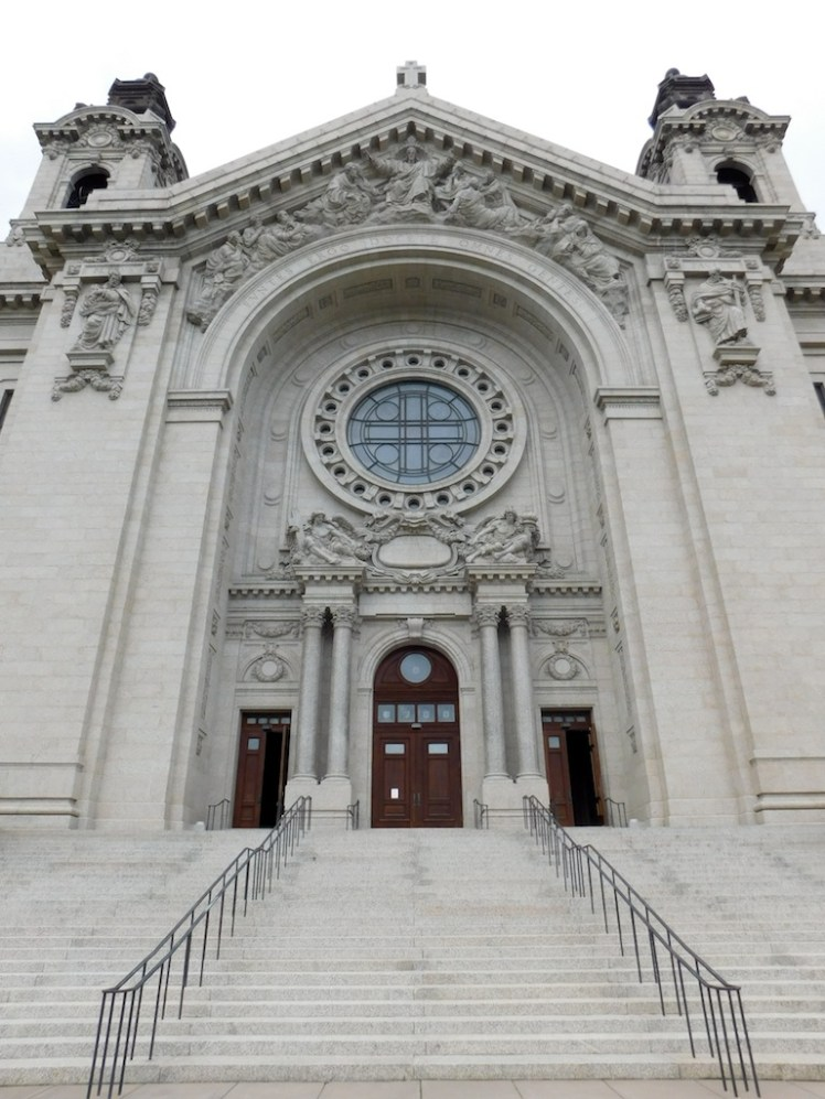 11-minneapolis-saint-paul-twin-cities-cathedral