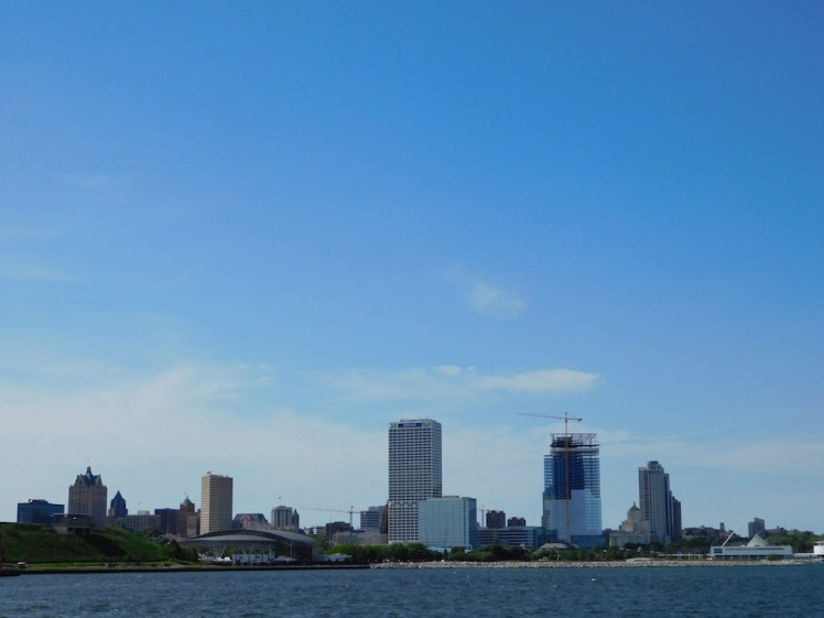 8-milwaukee-boatline-tour