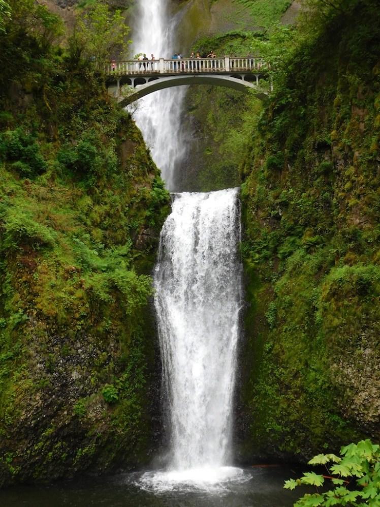 -multnomah-falls