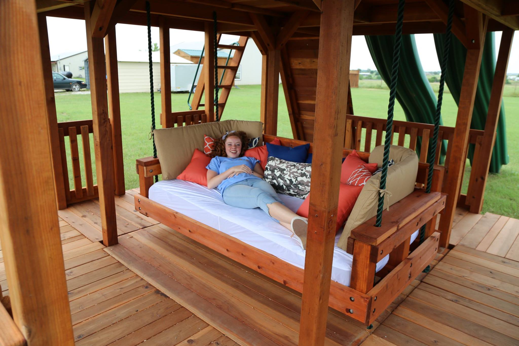 swinging bed, day bed, lounger, outdoor bed