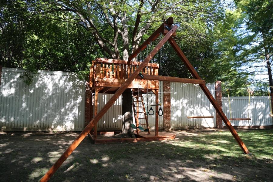 belt swings, swing beam, trapeze bar, tree deck, zip line, zipline
